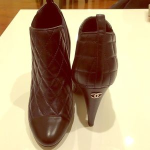 NEW CHANEL lamb CC logo Authentic quilted boots